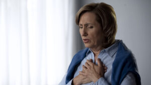 4 Stages of Pneumonia in Seniors and Early Signs of Detection